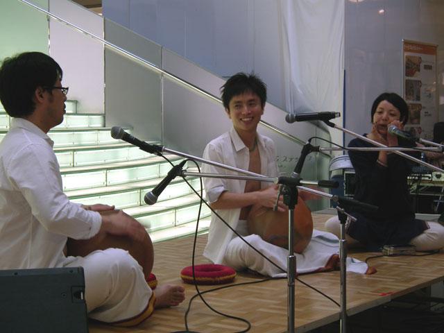 南インドの打楽器と笛?による演奏