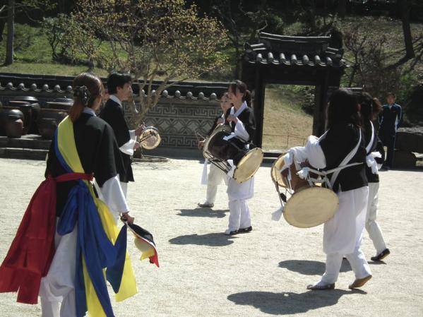 コレア庭園で披露されていた韓国民謡演奏
