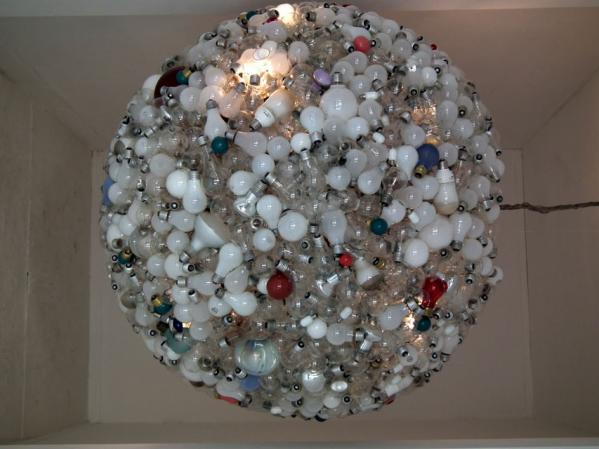 ヨコハマトリエンナーレ「黄金町バザール2011」の展示(2)