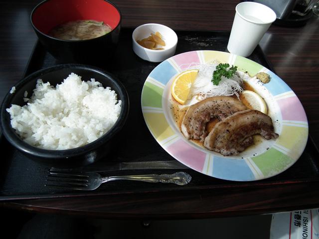 日本食肉流通センターで食べた豚肉のステーキ定食