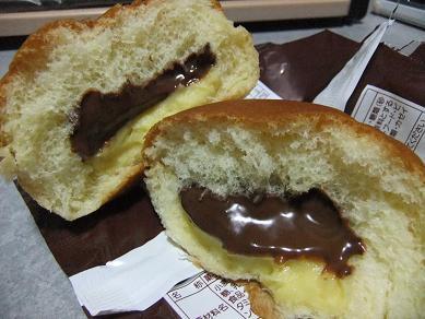 リョーユーパン「濃厚Wミルクカスタード&チョコレート」3