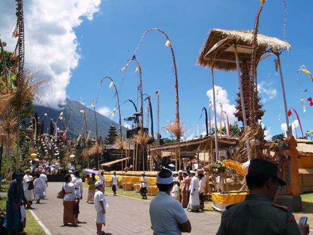 ブサキ寺院2009041416