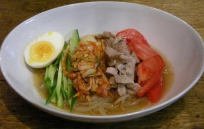 きれいな彩り。さっぱり冷麺!今夜は韓国料理。2008.5.17