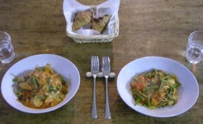 ルッコラといんげんとハムのトマト&チーズソースのパスタ!2008.5.20