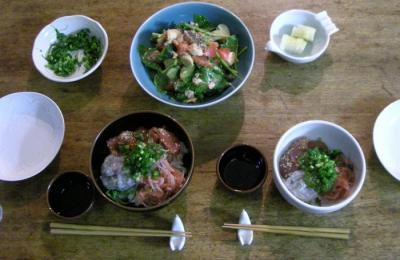 海鮮丼と鮭のサラダ 2008.5.23