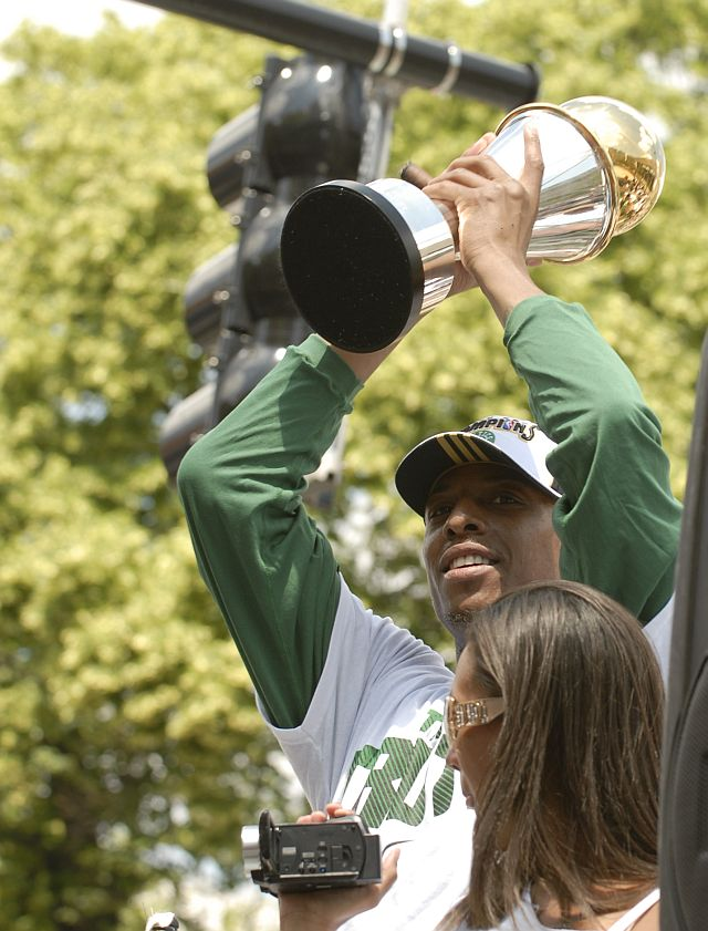 Pierce with trophy1