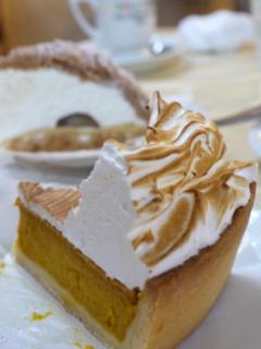 マカロニ市場のケーキ。