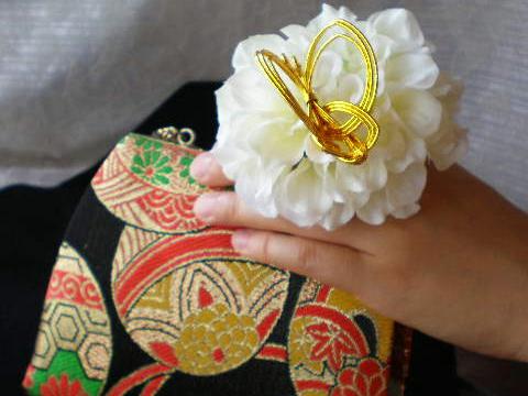 お花の指輪です。