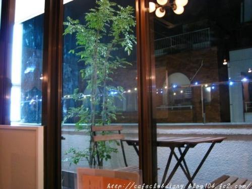 PLUG_IN_CAFE004-2.jpg