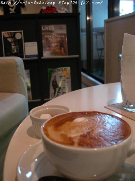 PLUG_IN_CAFE006-3.jpg