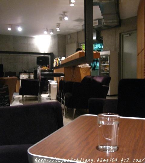 b1-cafe004-2.jpg