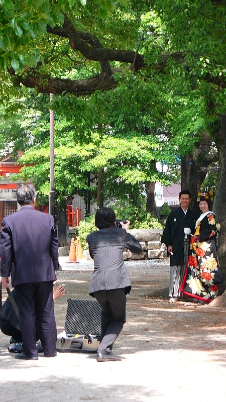 神社で写真撮り