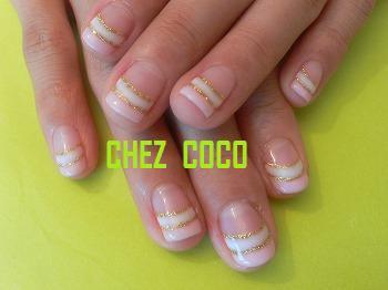 ピンク+ホワイトダブルフレンチ+ゴールドラメライン
