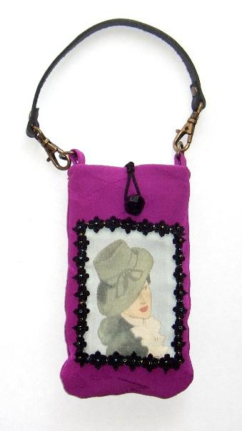 携帯ケース紫