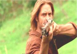 銃を捨てろ!