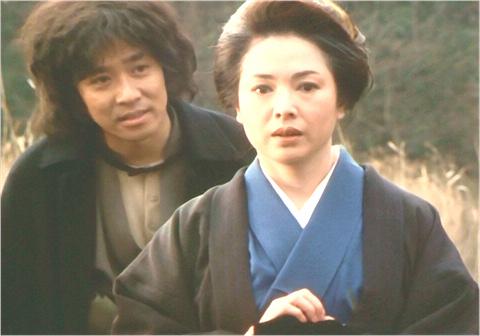 「病院坂の首縊りの家」の石坂金田一と佐久間良子