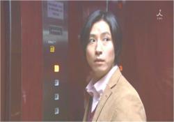やっぱ、エレベーターの中は電波が弱いな