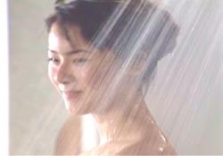 援交のホテルでシャワーを浴びているカコ