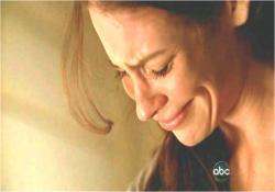 泣いているケイト