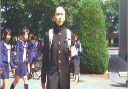 学ランで登校した桃子