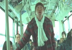 バスの中、突然気分が悪くなった乗客