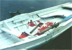 ボートの中で見つかった凶器