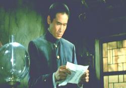 軍上層部からの乃木分自決を促す文書を破ろうとする次男・保典