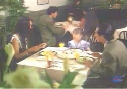 レストランで藤井の娘の誕生会をしている薫