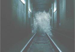 地下鉄構内に襲ってくる濁流