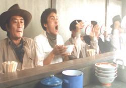 タンポポが作ったラーメンをみんなで試食