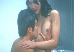 浴室での愛欲シーン、その1