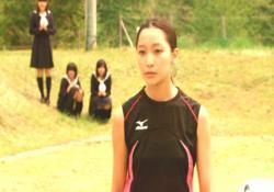 ハイジャンプの練習をしている小笠原葵