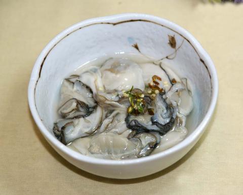 071101_oyster.jpg