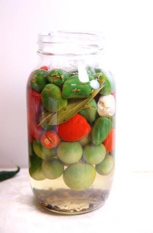 071224_pickles2.jpg
