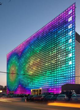 超巨大LEDスクリーン