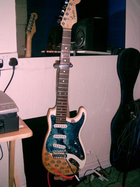 ugliest-guitar06.jpg