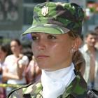 美人女性兵士