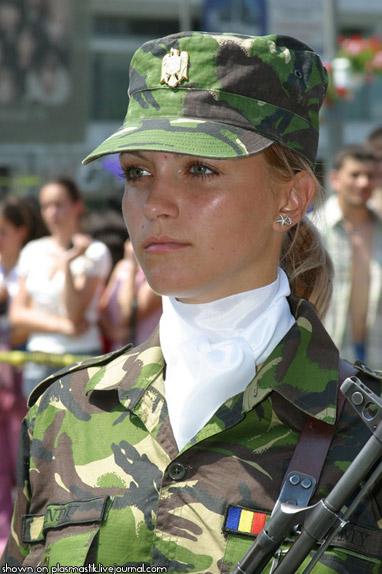 ルーマニアの女性兵士