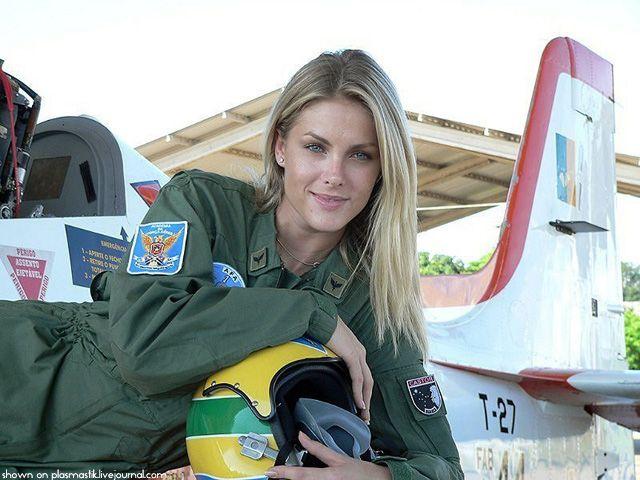 ブラジルの女性兵士