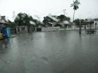 RIMG7035メルカド前水浸し