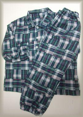 子どものチェックパジャマ
