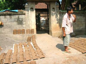 タバナン瓦の乾燥
