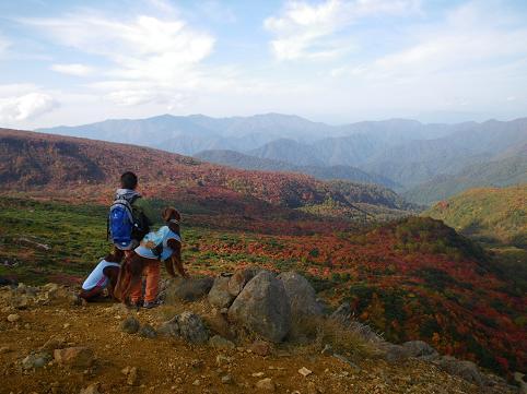 ママさん那須岳初登頂(紅葉10.10) 023