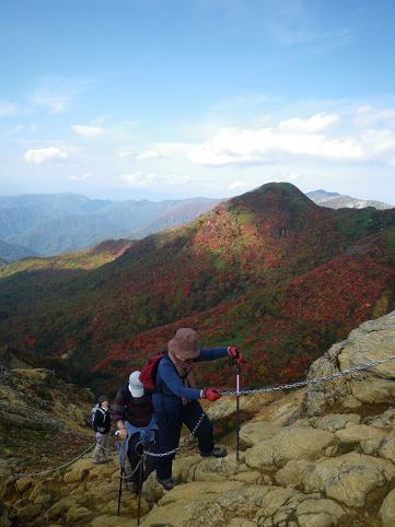 ママさん那須岳初登頂(紅葉10.10) 010