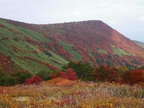ママさん那須岳初登頂(紅葉10.10) 039