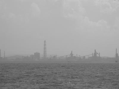 湾岸の工場地帯