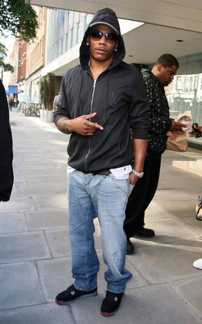 Celebrity-Feet-Nelly-Air-Jordan-Force-Fusion-IV-Black-2_R.jpg