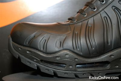 nike-air-max-foamdome-boot-black-5_R.jpg