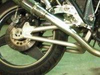 参考写真:ZRX400のスイングアーム