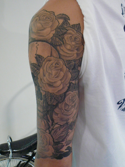 TATTOO KOBAYASHI SKULL&ROSE BLACK&GREY DAY OF THE DEAD